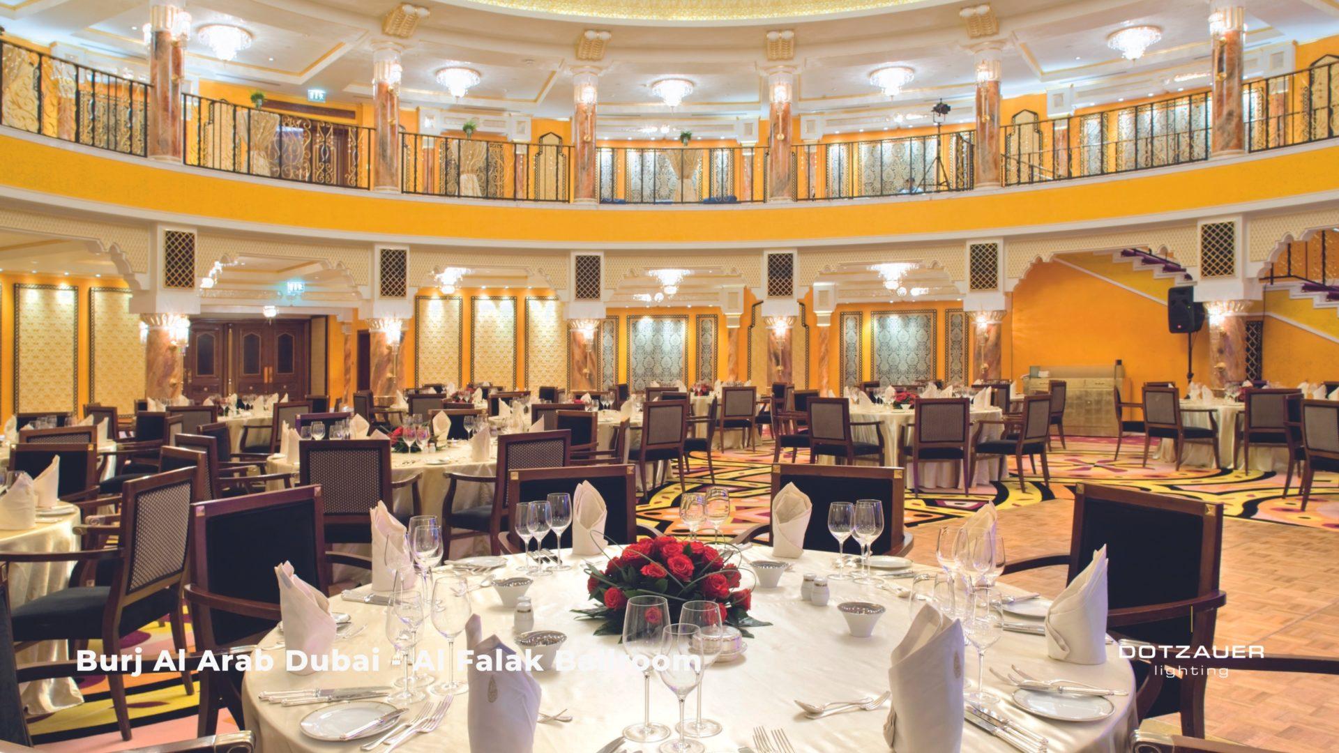 DOTZAUER - Luster im Burj Al Arab Hotel Dubai